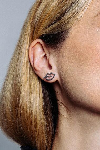 Mara Lips Earrings